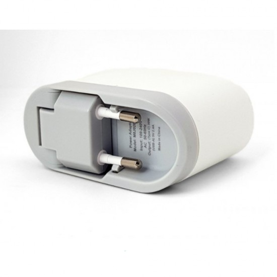 Зарядное устройство Budi (M8J315QE) быстрая зарядка 3.0 Type-C+ 2USB